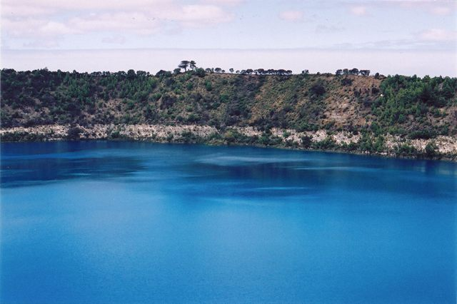 Mount_Gambier_Blue_Lake_A